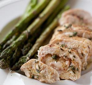 Cordon Bleu di pollo con asparagi