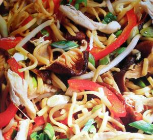 Pollo chow mein