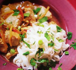 Pollo allo zenzero con noodles di riso