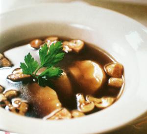 Zuppa di pollo e funghi