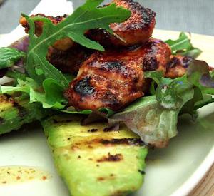 Pollo e avocado grigliati