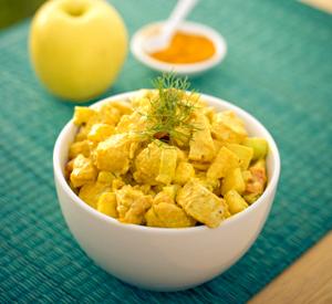 Insalata-di-pollo-con-curry-e-mele
