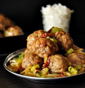 Polpette cinque spezie di pollo con porri
